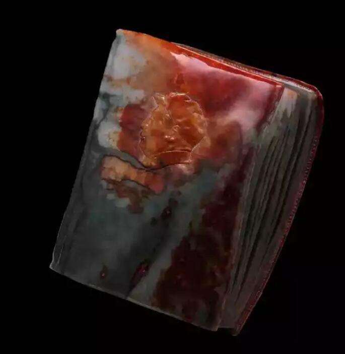 王朝阳翡翠玉雕:《红宝书》